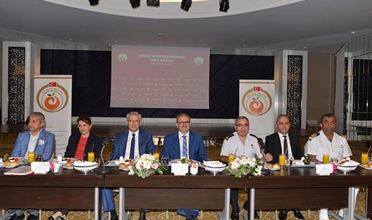 Antalya Valisi Münir Karaloğlu'ndan seçim uyarısı