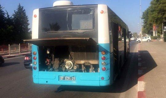 Antalya'da belediye otobüsünde yangın çıktı