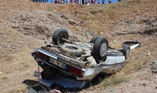 Düğün yolunda feci kaza : Ölü ve yaralılar var