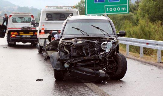 TEM'de zincirleme kaza : Ölü ve yaralılar var