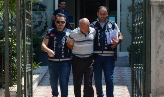 Antalya'da televizyon çalan hırsız taksiyle kaçtı