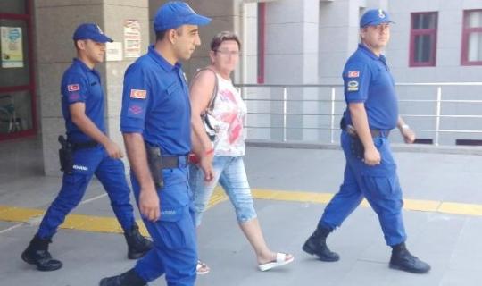 Antalya'da turist, turistin telefonunu çaldı