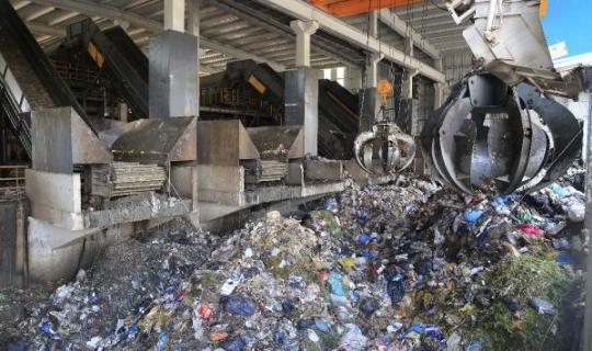 Antalya'nın çöpü evlere ışık saçıyor