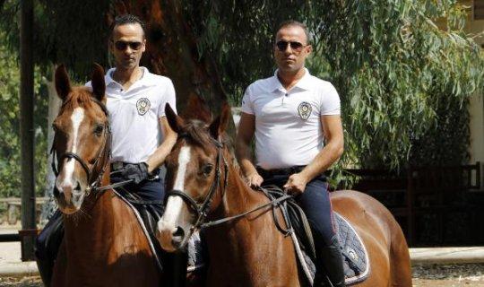 Antalya polisine atlı desteği
