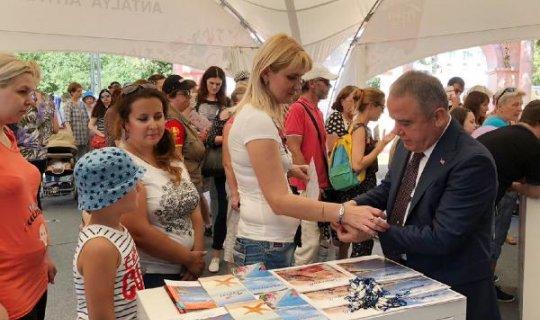 Başkan Muhuttin Böcek, Moskova'da Konyaaltını tanıttı