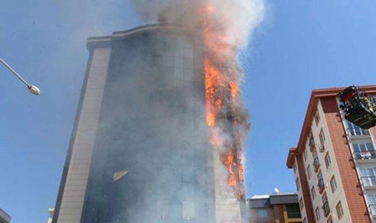Plaza alev alev yandı