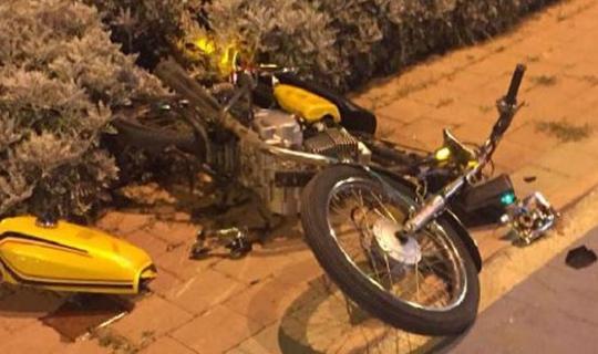 Serik'te minibüsle motosiklet çarpıştı