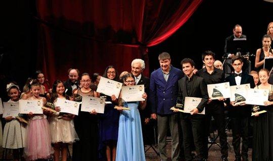Antalya'da geleceğin yıldızları gururlandırdı