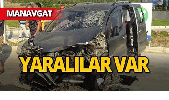 Manavgat'ta tatil yolunda feci kaza!