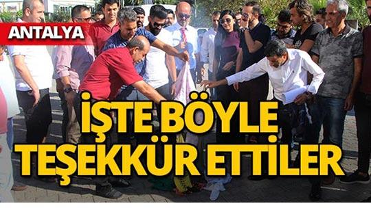 Antalya'da esnaftan 'kur' teşekkürü