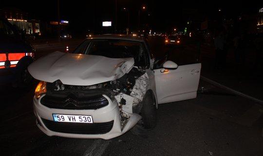 Antalya'da kırmızı ışık ihlali feci kazaya neden oldu