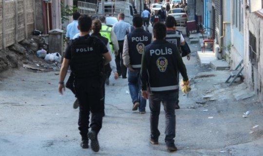 Eş zamanlı operasyon : 49 kişi gözaltına alındı!