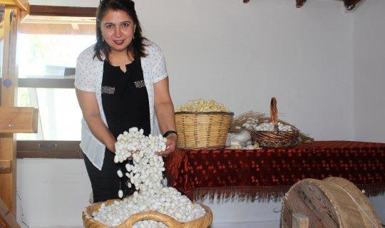 İpek dokumacılğı  Koza Evi'nde yaşatılıyor