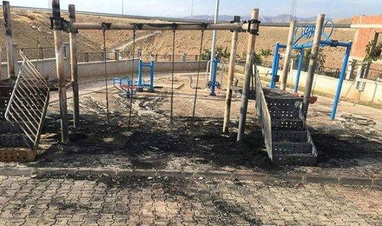 Kayyumların yaptığı oyun parkını PKK yaktı!