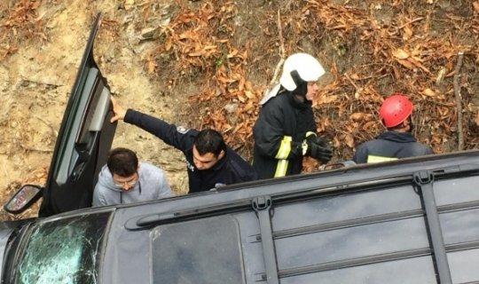 Korkunç kaza : Arabanın içine bakanın kanı dondu!