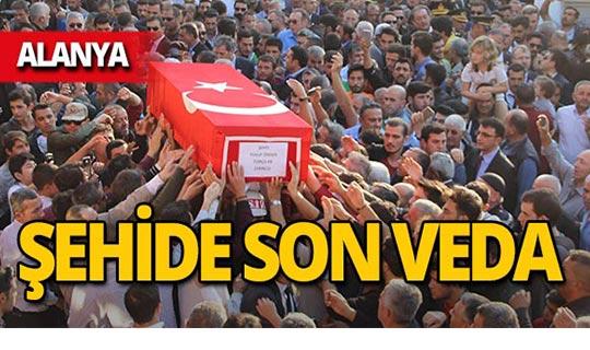 Alanyalı şehidin cenazesi gözyaşları içinde toprağa verildi