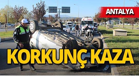 Antalya'da korkunç kaza : Arabaların üzerinden uçtu!