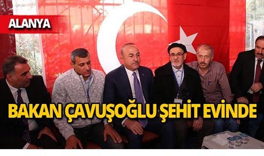 Bakan Çavuşoğlu şehit evinde