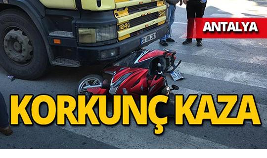 Antalya'da ambulansa yol vermek isterken canından oluyordu!