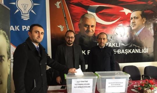 AK Parti 3 ilçede temayül yoklaması yaptı