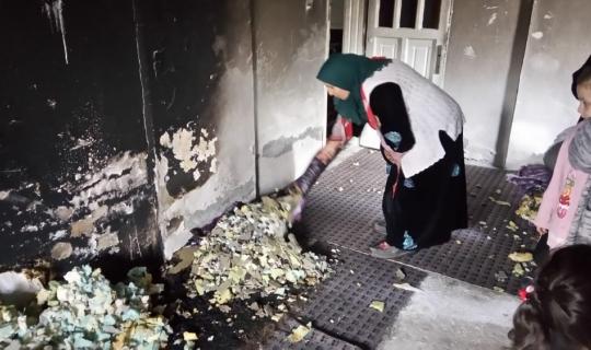 Akar ailesi, yangında canını zor kurtardı