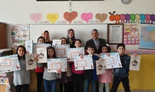 AKEDAŞ Elektrik Dağıtım A.Ş. öğrencilere 'Ali'nin Enerji Serüveni 2' dergisi dağıttı