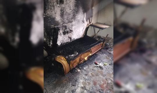Alanya'da elektrik sobası evi yaktı