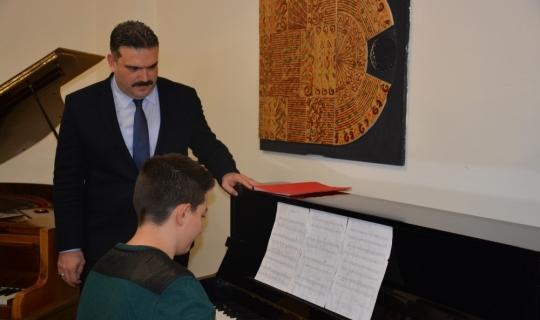 Anadolu Üniversitesinden Yunus Emre Anadolu İmam Hatip Lisesi'ne örnek bağış