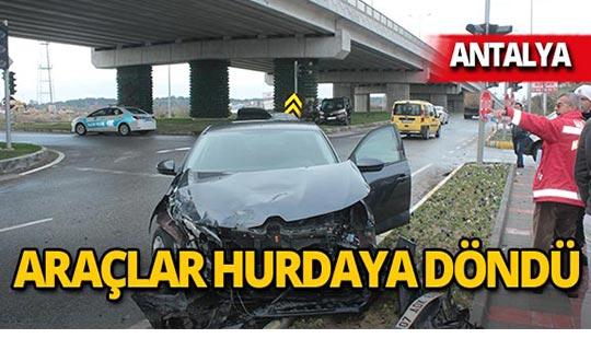 Antalya-Alanya yolunda feci kaza!