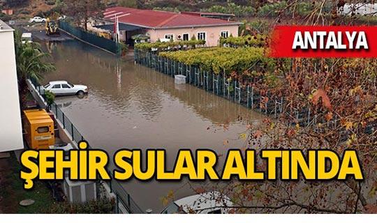 Antalya'da tsunami etkisi yarattı!