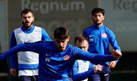 Antalyaspor'da devre arası hazırlıkları devam ediyor
