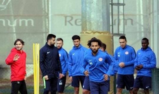 Antalyaspor'da ikinci yarı hazırlıkları sürüyor