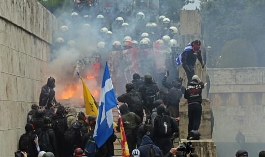 Atina'da Prespa Anlaşması protesto ediliyor
