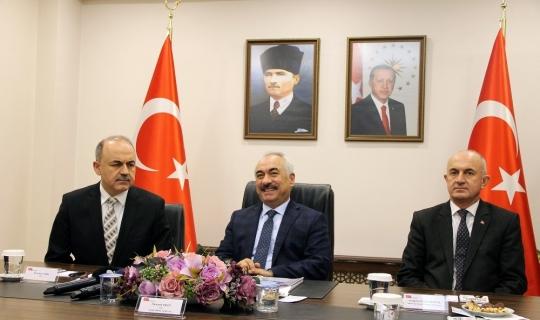 """Bakan Yardımcısı Ersoy: """"Ülke genelinde 700 terörist kaldı"""""""