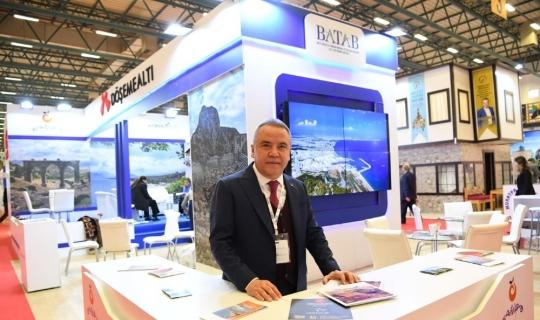 Başkan Böcek EMITT'te Antalya'yı tanıtıyor
