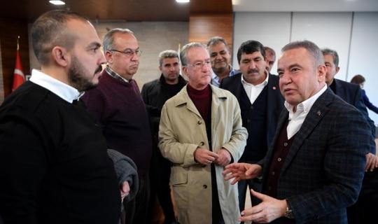 Başkan Böcek, hal dernek temsilcilerini ağırladı