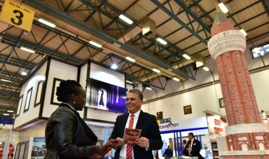 Başkan Uysal, EMİTT'te Kaleiçi'ni tanıttı