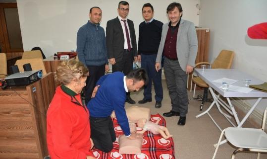 Belediye personeline ilk defa ilk yardım eğitimi
