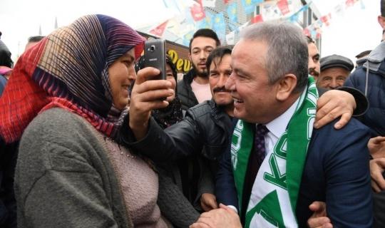 CHP Antalya Büyükşehir adayı Böcek'e Korkuteli'nde coşkulu karşılama