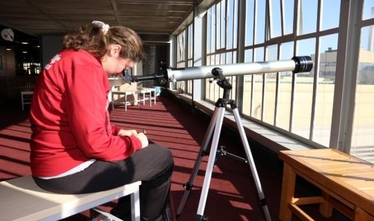 Cemil Meriç öğrencileri gezegenleri izledi
