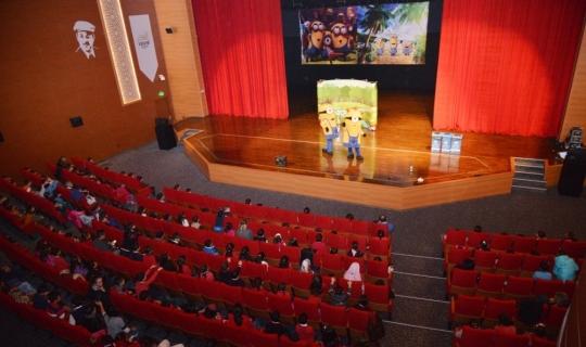 Çocuklar, Kırşehir'de tiyatro ile buluştu