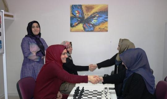 Diyarbakır'da ilk defa kadın satranç grubu kuruldu