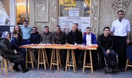 Engelliler pizza yarışmasında buluştu