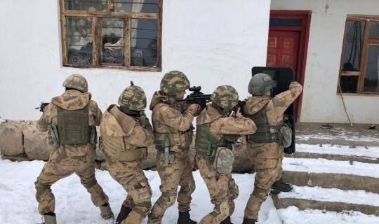 Erciş'te terör operasyonu: 20 gözaltı