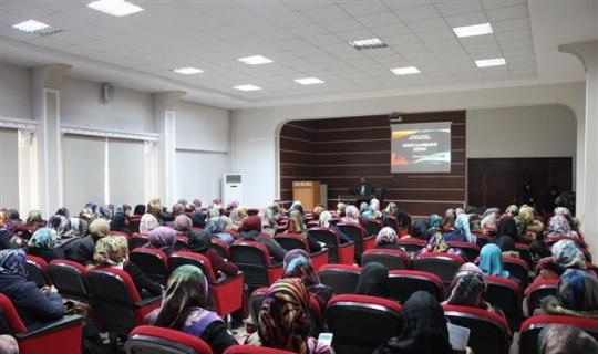 """Erzincan'da """"Temel Aile Bilinci Eğitimi"""" seminerleri düzenleniyor"""