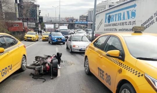 Esenyurt'ta E-5'te yanyol trafiği kilitleyen kaza: 1 yaralı