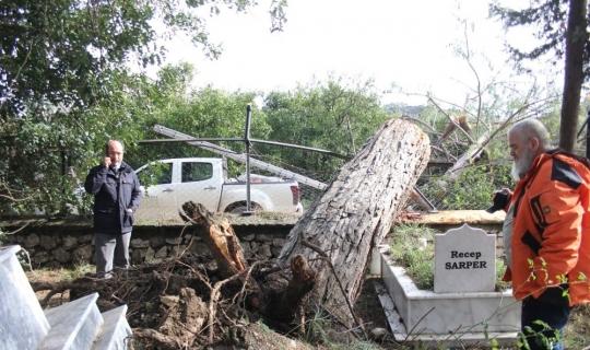 Antalya'da mezarlıktaki hasar gün ağarınca ortaya çıktı!
