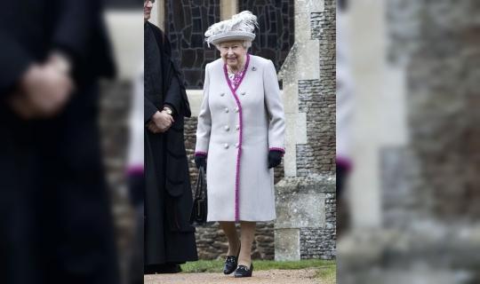 İngiltere Kraliçesi, siyasileri Brexit için ortak bir zemin bulmaya çağırdı