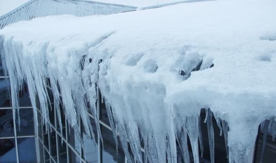 İtfaiyenin buz kırma timi görev başında