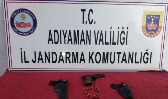 Jandarma ruhsatsız tabanca ele geçirdi